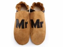 Mr slippers in chocolate on sand