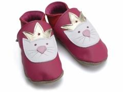 Soft leather kids shoes, princess paws cat with crown design on fuchsia shoes.
